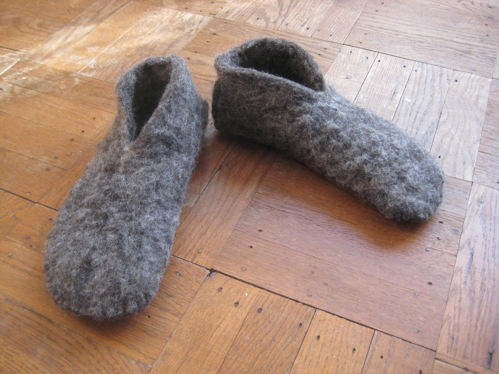 slippers finis